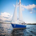 30' Catalina Sailboat-Blue Moon