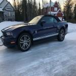 Mustang V6 2011 décapotable, 6 vitesses.