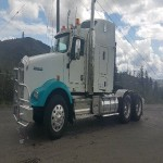 2012 Kenworth T800 Tractor - a must see!
