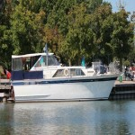 !966 Chris craft Constellation for sale 43 ft